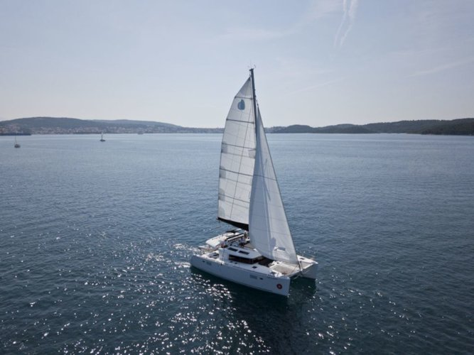 Enjoy luxury and comfort on this Lagoon Lagoon 450 in Dubrovnik