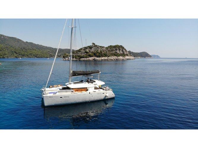 Enjoy luxury and comfort on this Lagoon Lagoon 450  F in Dubrovnik