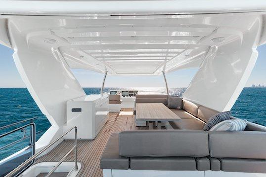 Discover Aventura surroundings on this P75 Prestige boat