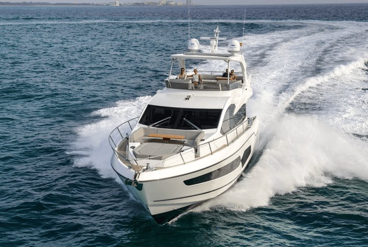 Discover Paradise Island surroundings on this Predator Sunseeker boat