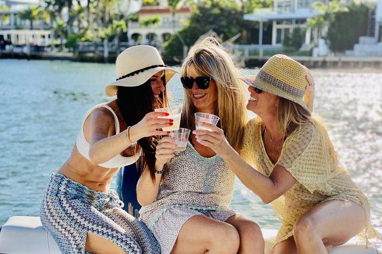 Motor boat boat for rent in Miami Beach
