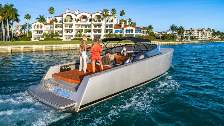 VAN DUTCH 40 - LUXURY YACHT CHARTER - FUEL AND CAPTAIN INCLUDED