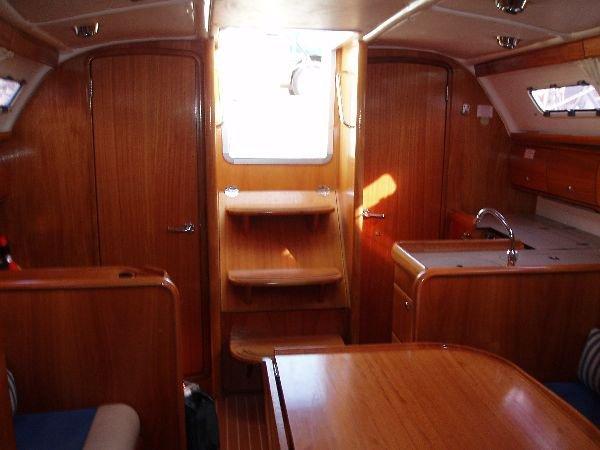 This 32.0' Bavaria Yachtbau cand take up to 6 passengers around Saronic Gulf