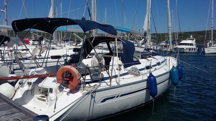 Discover Kvarner surroundings on this Bavaria 36 Bavaria Yachtbau boat