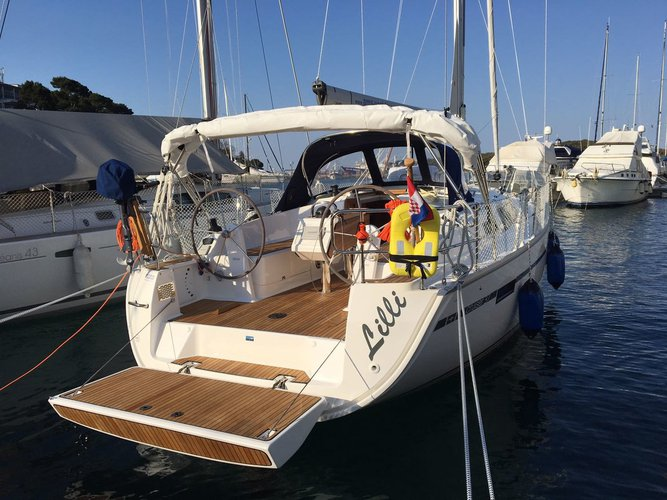 All you need to do is relax and have fun aboard the Bavaria Yachtbau Bavaria Cruiser 37