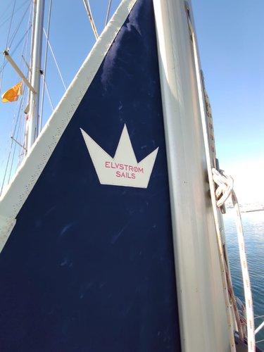 This 45.0' Bavaria Yachtbau cand take up to 10 passengers around Saronic Gulf