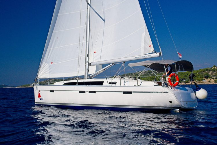 This 46.0' Bavaria Yachtbau cand take up to 9 passengers around Šibenik region