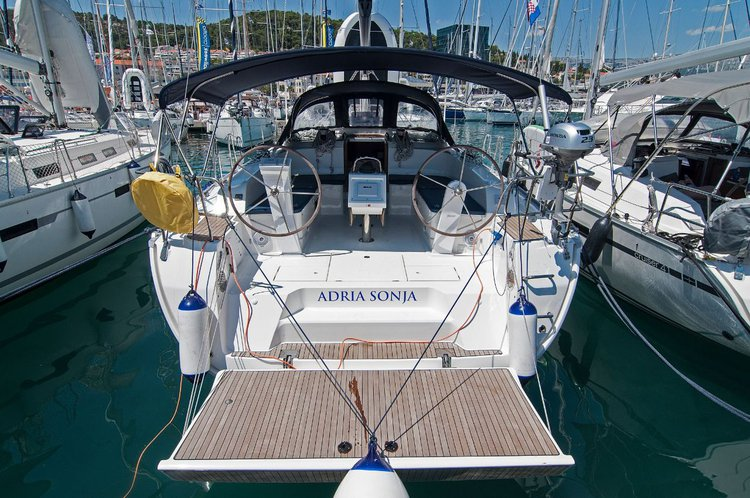 Enjoy Split region, HR to the fullest on our comfortable Bavaria Yachtbau Bavaria Cruiser 46