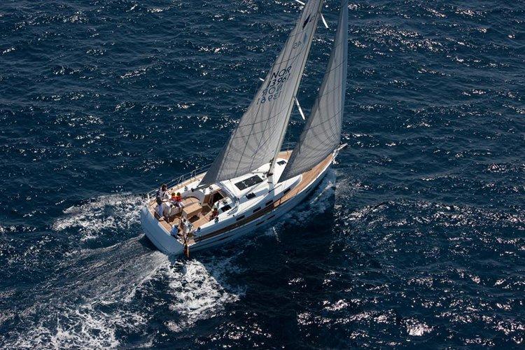 Beautiful Bavaria Yachtbau Bavaria Cruiser 45 ideal for sailing and fun in the sun!