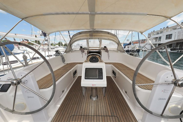 Up to 9 persons can enjoy a ride on this Bavaria Yachtbau boat