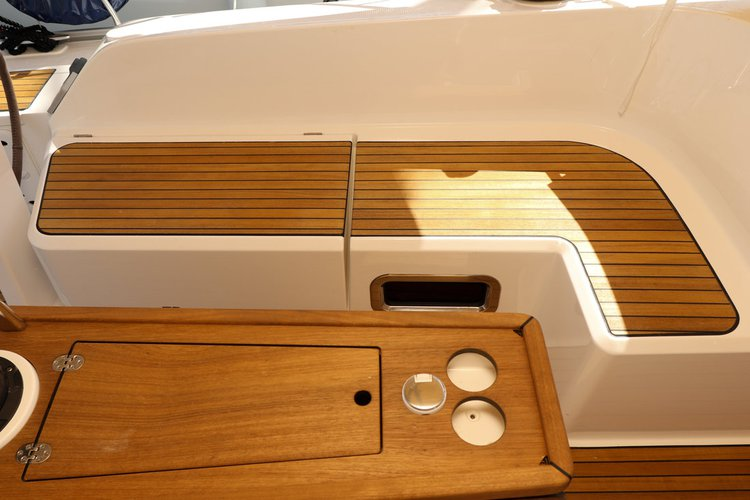 Discover Zadar region surroundings on this Bavaria Cruiser 46 Bavaria Yachtbau boat