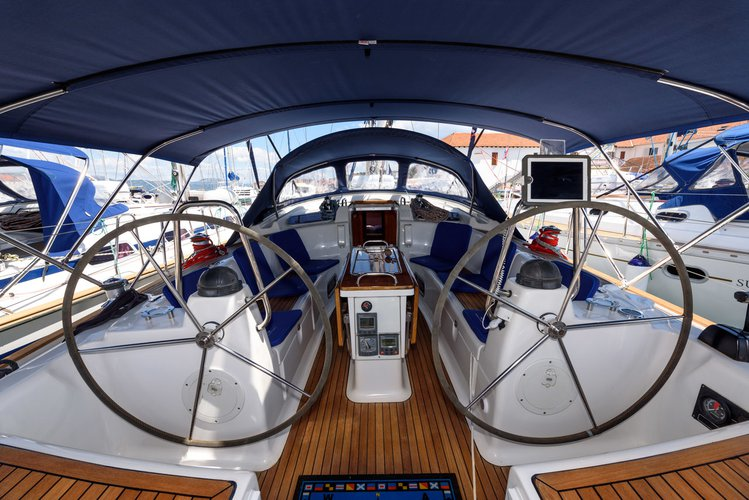 This 47.0' Bavaria Yachtbau cand take up to 10 passengers around Split region