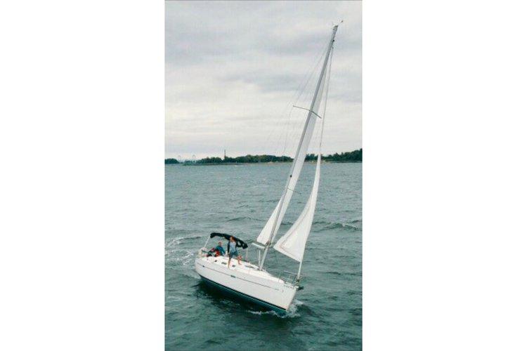 34.0 feet Beneteau in great shape