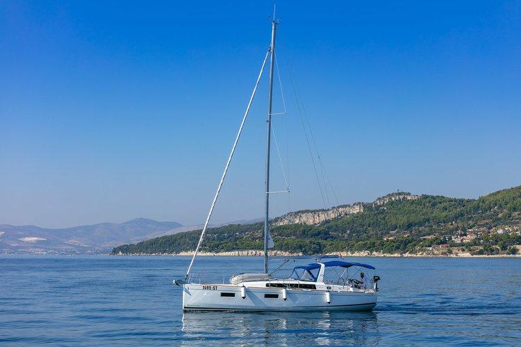 Discover Split region surroundings on this Oceanis 38.1 Bénéteau boat