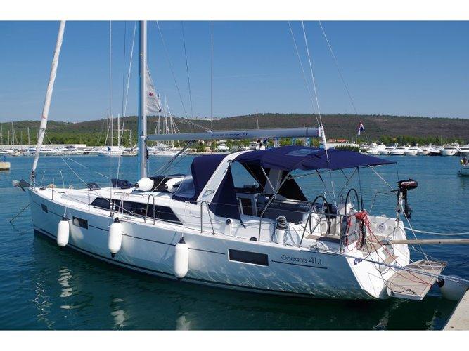 Enjoy Zadar region, HR to the fullest on our comfortable Bénéteau Oceanis 41.1