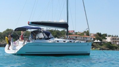 Take this Bénéteau Cyclades 43.4 for a spin!