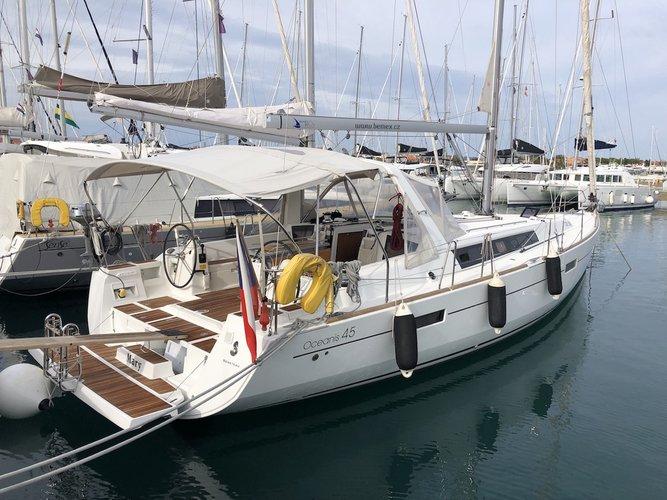 Enjoy luxury and comfort on this Beneteau Oceanis 45 in Ayamonte