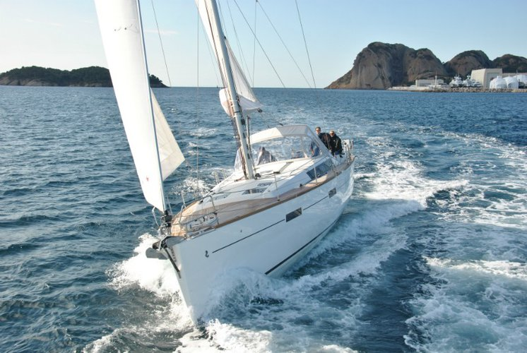 Discover Dodecanese surroundings on this Oceanis 45 Bénéteau boat