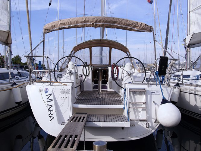 Unique experience on this beautiful Dufour Yachts Dufour 375 GL