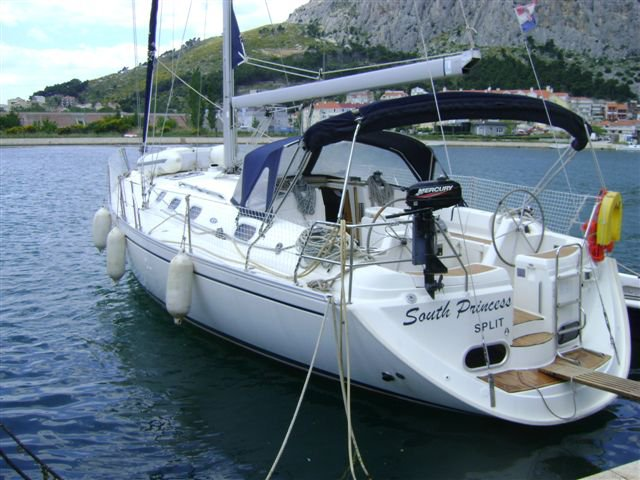 Discover Split region surroundings on this Gib Sea 43 Dufour Yachts boat