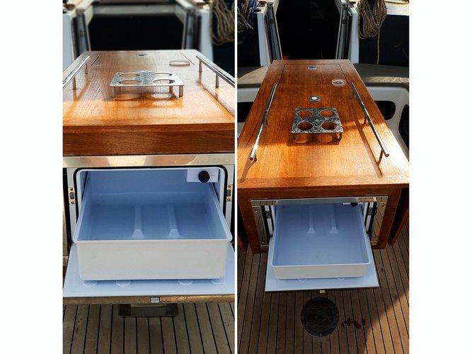 This 49.0' Dufour Yachts cand take up to 12 passengers around Šibenik region