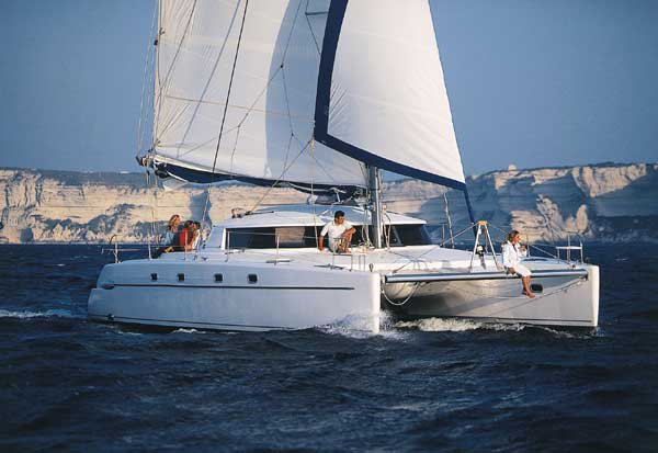 42.0 feet Fountaine Pajot in great shape