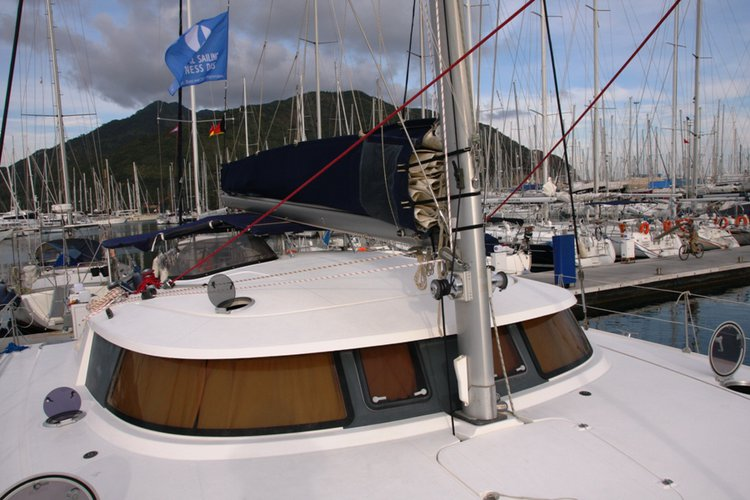 Discover Aegean surroundings on this Belize 43 Fountaine Pajot boat