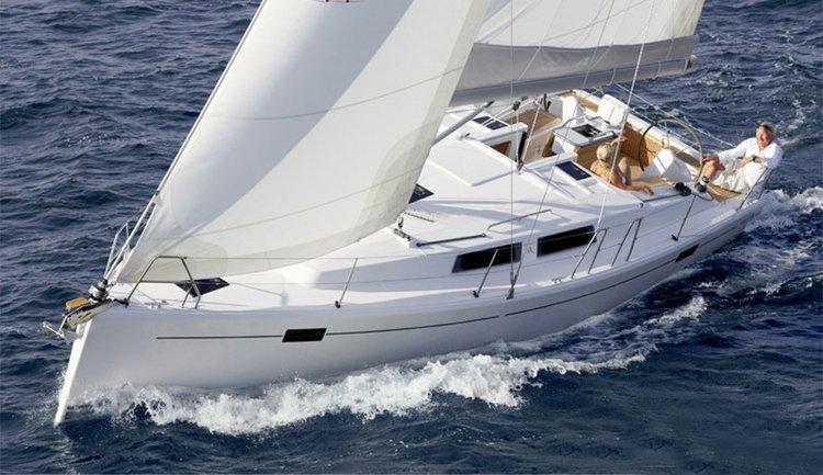 Discover Split region surroundings on this Hanse 385 Hanse Yachts boat