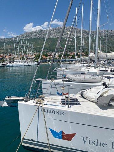 This 44.0' Hanse Yachts cand take up to 8 passengers around Split region