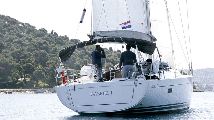 Discover Šibenik region surroundings on this Hanse 455 Hanse Yachts boat