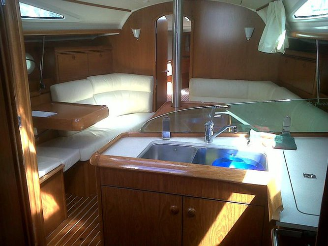 Jeanneau boat for rent in Sardinia