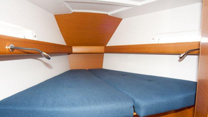 Boat for rent Jeanneau 40.0 feet in Balearic Islands, Spain