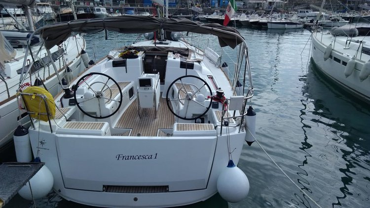 Unique experience on this beautiful Jeanneau Sun Odyssey 419