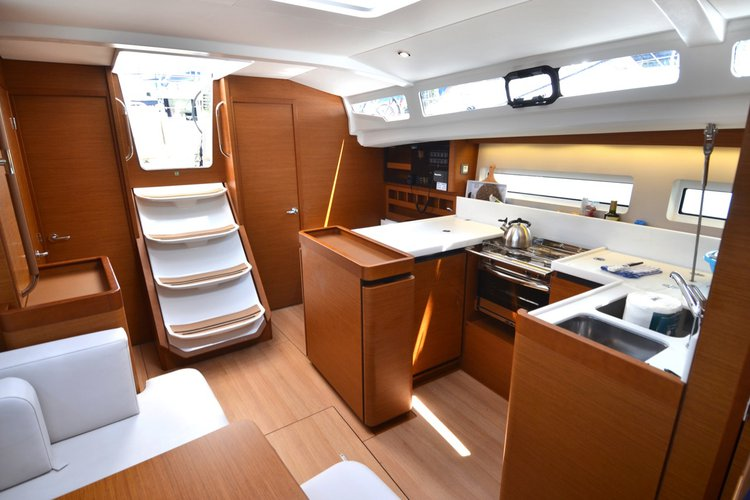 Discover Dubrovnik region surroundings on this Sun Odyssey 440 Jeanneau boat