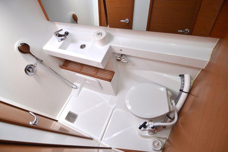 Boat for rent Jeanneau 42.0 feet in Komolac, ACI Marina Dubrovnik, Croatia
