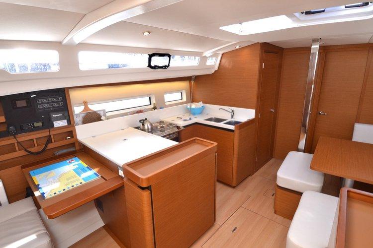 Jeanneau boat for rent in Dubrovnik region
