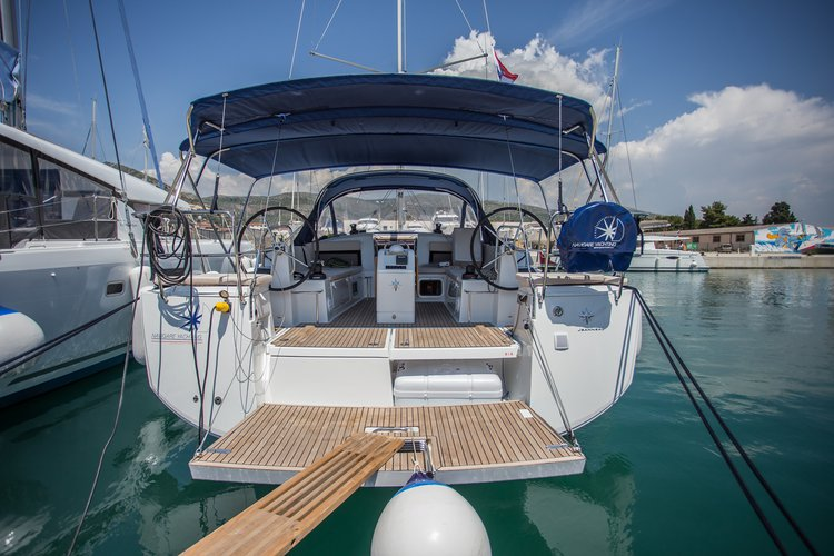 The perfect boat to enjoy everything Split region, HR has to offer