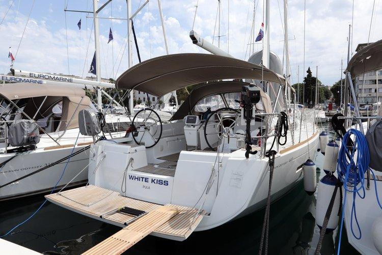 Jeanneau's 43.0 feet in Istra