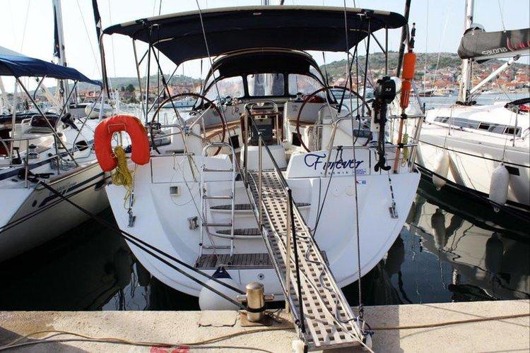 Enjoy luxury and comfort on this Jeanneau Sun Odyssey 45 DS in Šibenik region