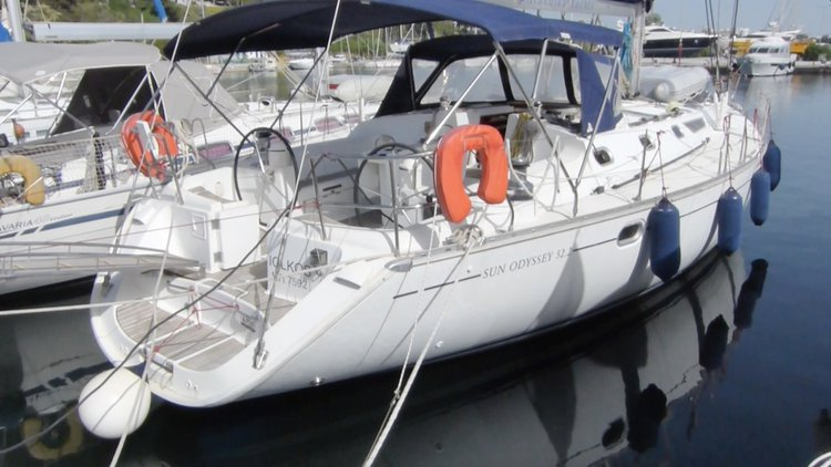 Discover Macedonia in style boating on this sailboat rental