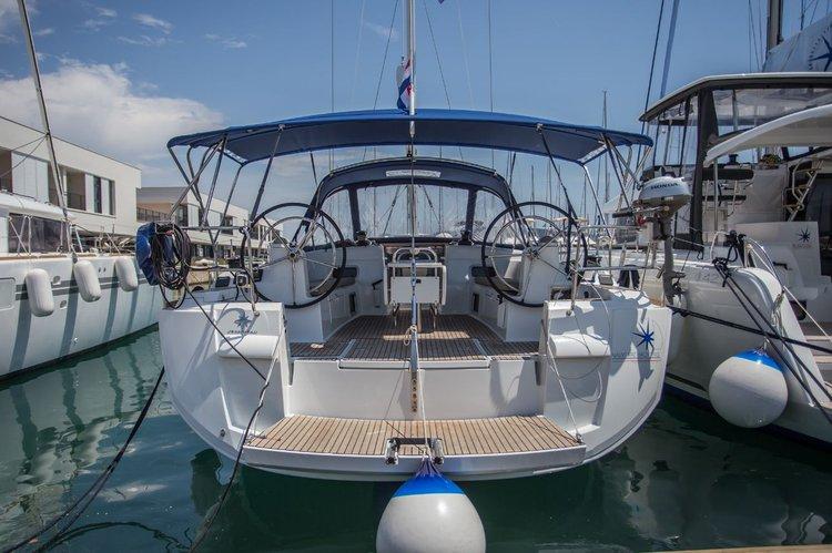 Discover Split region surroundings on this Sun Odyssey 519 Jeanneau boat
