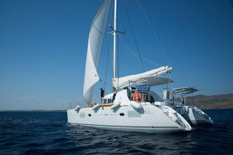 Sail Saronic Gulf, GR waters on a beautiful Lagoon-Bénéteau Lagoon 380