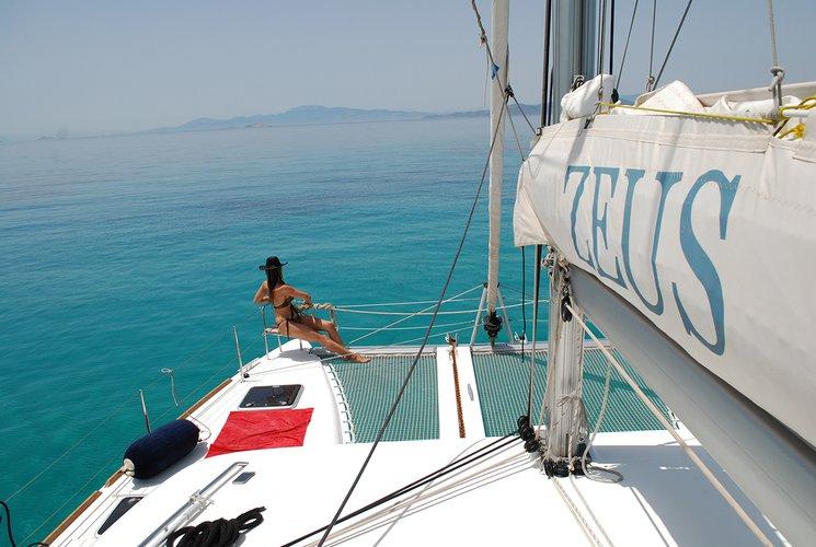Lagoon-Bénéteau's 39.0 feet in Saronic Gulf