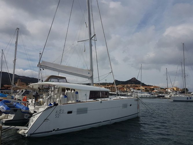 Explore Sicily on this beautiful sailboat for rent