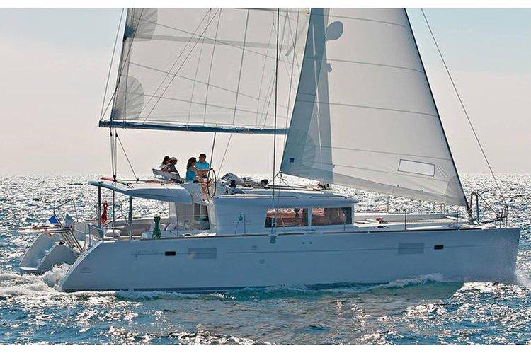 Sail Split region, HR waters on a beautiful Lagoon-Bénéteau Lagoon 450