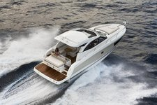 All you need to do is relax and have fun aboard the Jeanneau Leader 36