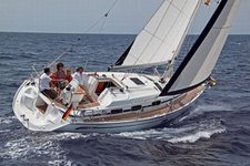 This sailboat charter is perfect to enjoy Cyclades