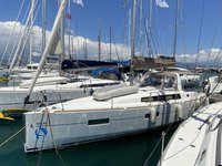 Beautiful sailboat for rent, ideal for fun in the sun