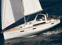 Enjoy Balearic Islands, ES to the fullest on our comfortable Bénéteau Oceanis 45