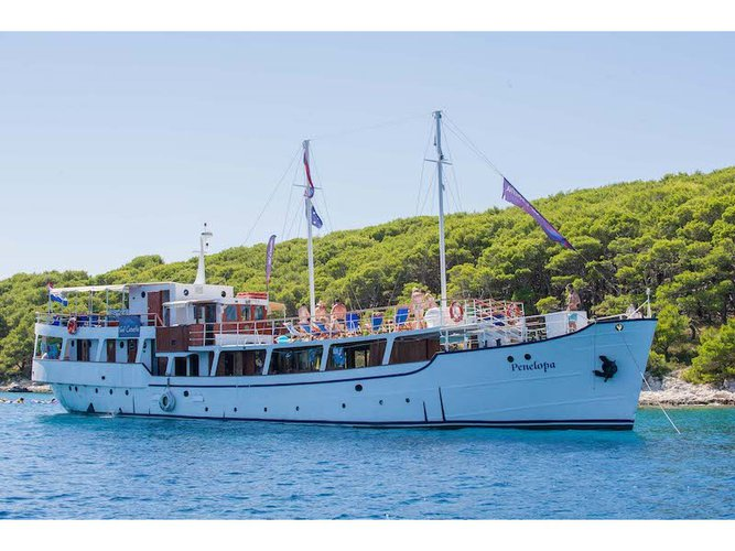 Unique experience on this beautiful  Motoryacht Penelopa